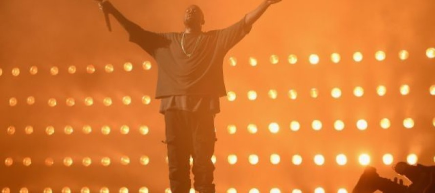 "Kanye West calls one GOP candidate ""brilliant"" & has been trying to phone him for 3 weeks"