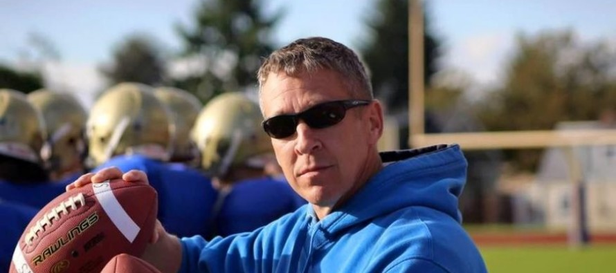 School Might Fire Football Coach for Praying