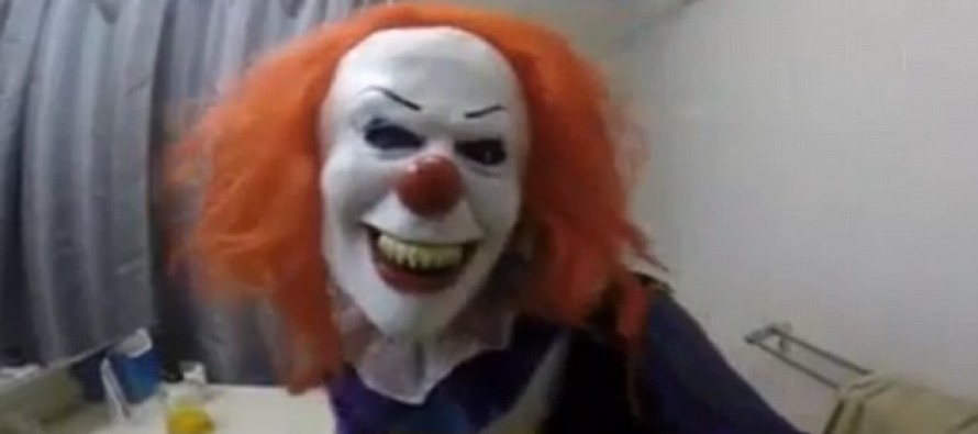 Evil Woman dresses as SCARY CLOWN and Waits In the Shower… For Her Brother With a Butcher's Knife [VIDEO]
