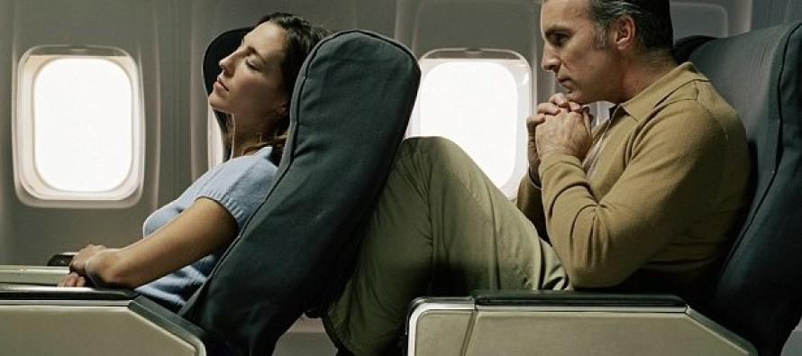 Terror on Southwest Flight as Passenger Starts CHOKING Woman Who Reclined Her Seat in Front of Him, BEFORE TAKE OFF!