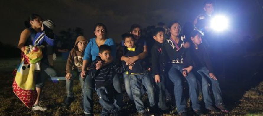 Monstrous Surge of Illegal Immigrants at the Border – 10,000 in September Alone [Video]