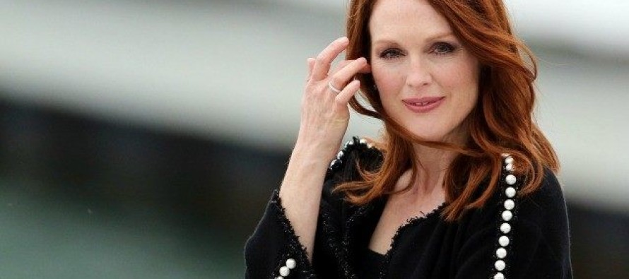 Delusional Julianne Moore Launches Gun Control Group, Says Founding Fathers Would Agree