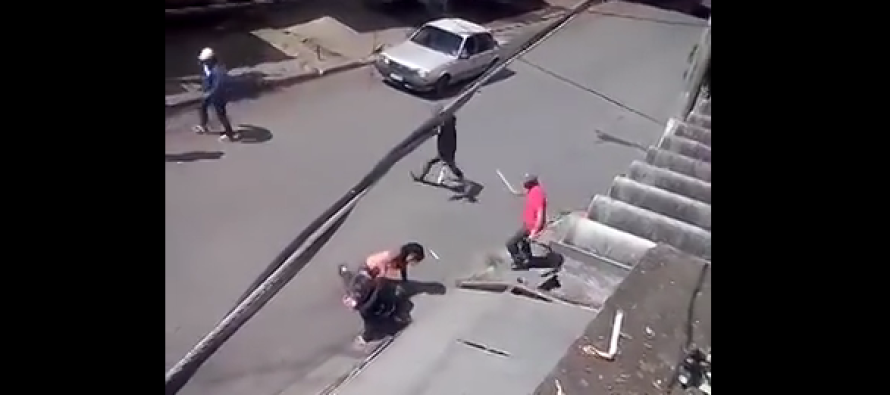 VIDEO: Now THIS Is How You Break Up A Street Fight