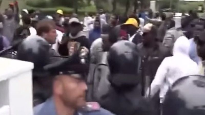 italy-immigrant-riot