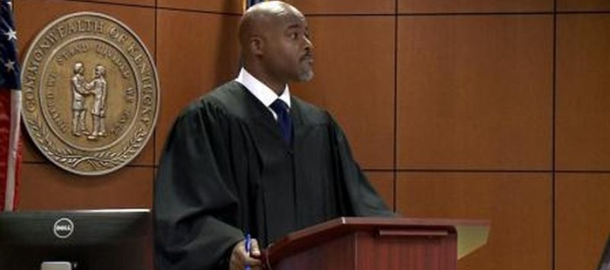 Black Louisville Judge Dismisses An Entire Jury Because They're White