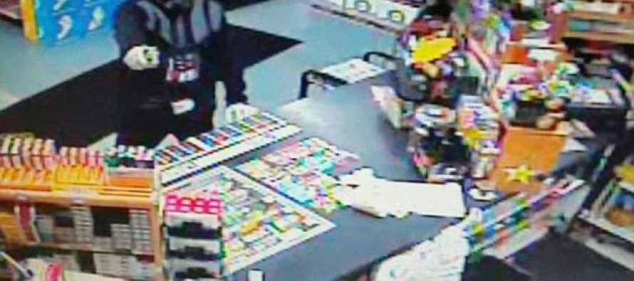 Man in Darth Vader costume tries to rob a store but discovers that the 'force' is not with him