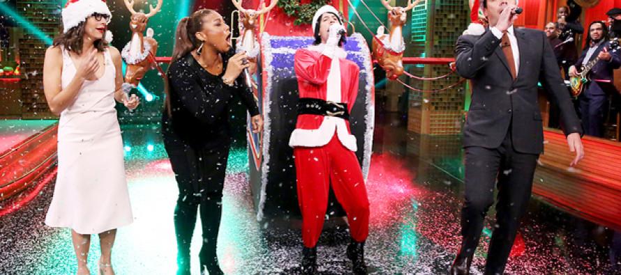 Jimmy Fallon & Rashida Jones Perform Hilarious Holiday Song Parodies Celebrating Turkey Day