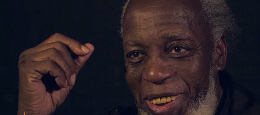 Prisoner who is released after 44 YEARS and is left totally bewildered by technology