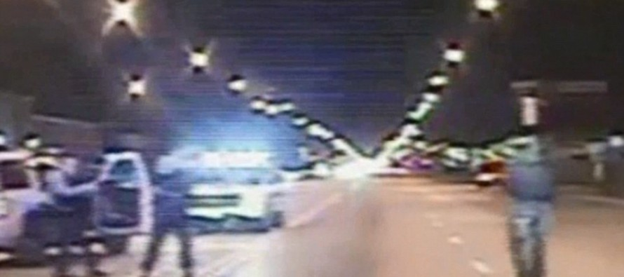 [Graphic Video] Race Riots Sweep Chicago After Cop Shoots Black Teen Laying on Ground [Read]