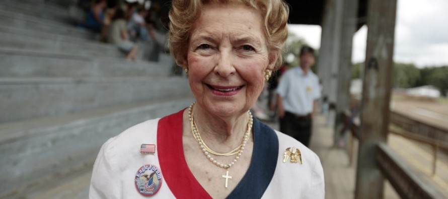 Conservative Icon Phyllis Schlafly Reveals Candidate Who Is America's 'Last Hope'
