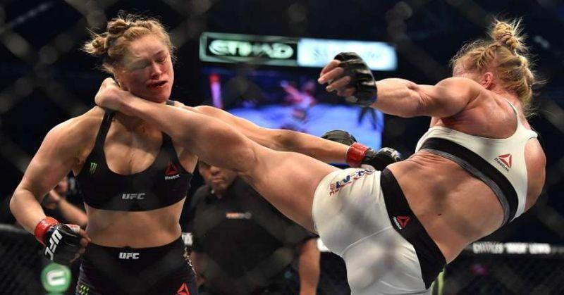 Holly-Holm-beats-Ronda-Rousey