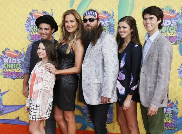 Willie Robertson and Korie Robertson with their children arrive at the 27th Annual Kids' Choice Awards in Los Angeles, California, March 29, 2014.