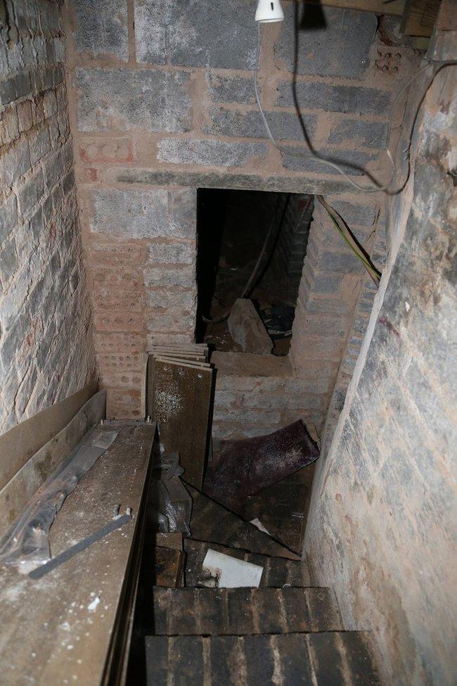 Trap Door5