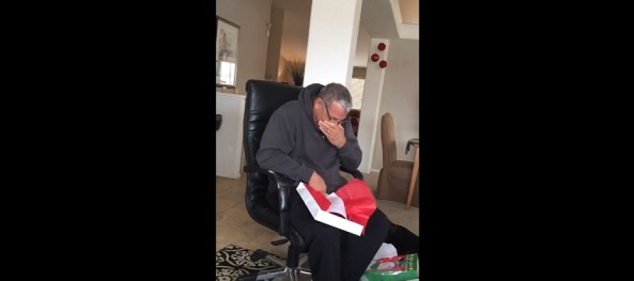 Video Of Sobbing Dad Receiving The Perfect Christmas Gift From His Children Goes Super Viral