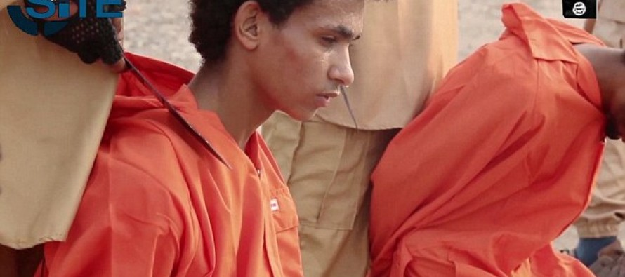 Death by explosive necklace: ISIS ties mortar shells around rebel necks in execution videos