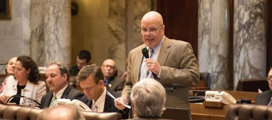"""GOP Lawmaker Calls for Wisconsin Citizens to """"Stand Up and Fight Back"""" After Shooting"""