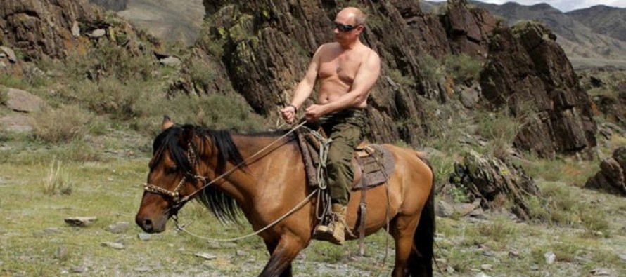 "Is Vladimir Putin is IMMORTAL? New ""Evidence"" Suggests He Hasn't Aged In 100 Years! [Pic]"