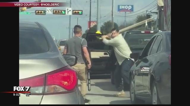 Austin_road_rage_fight_goes_viral_0_762141_ver1.0_640_360