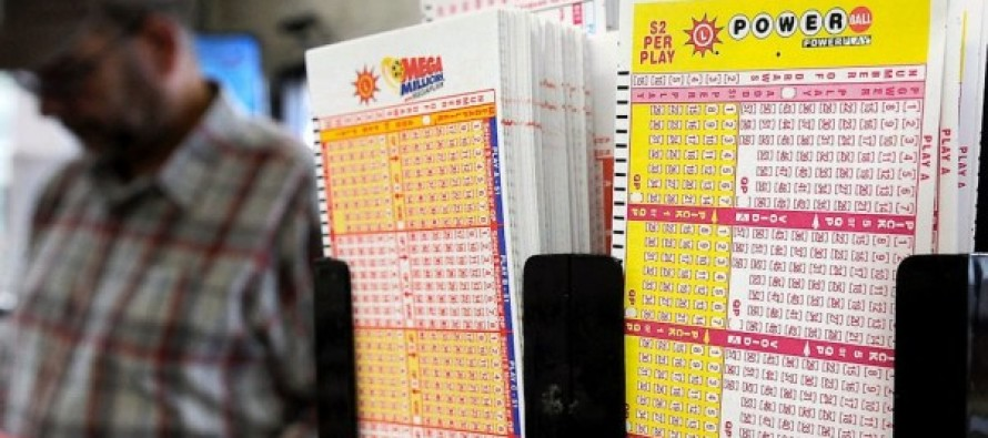 WOW! Powerball Jackpot Grows to $900 Million… Drawing is Tonight