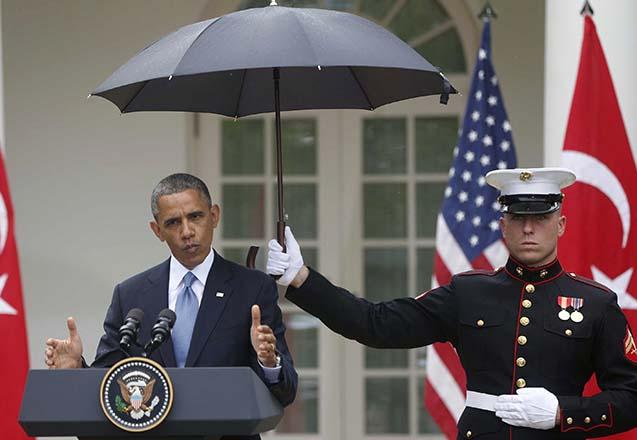 barack-obama-umbrella-press-conference1