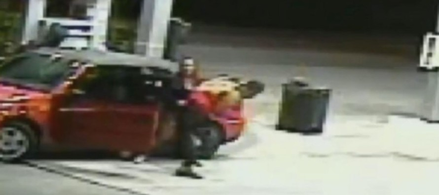 [VIDEO] Carjackers Try Stealing Car With Kids Inside, Mess With The WRONG Mom, IMMEDIATELY Regret It!