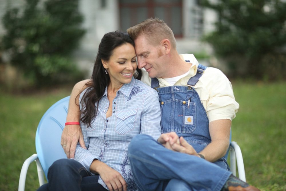 joey-rory-sitting-1k_0