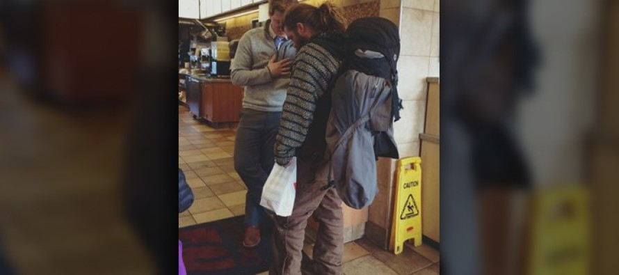 Chick-fil-A manager shares prayer with homeless man [Read]