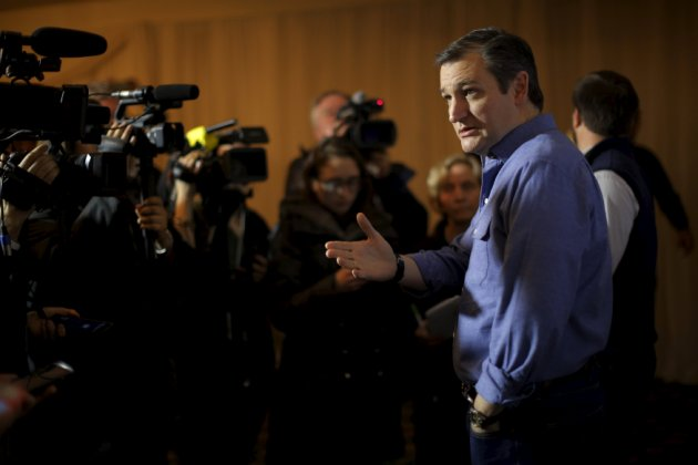 U.S. Republican presidential candidate and U.S. Senator Ted Cruz speaks to reporters before a campaign rally in Hollis