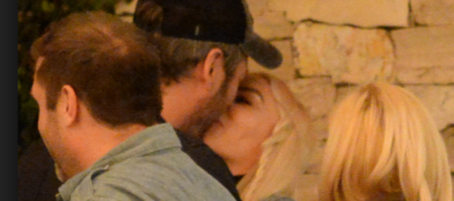Blake Shelton and New Girlfriend Make Pregnancy Announcement – Country Fans Shocked