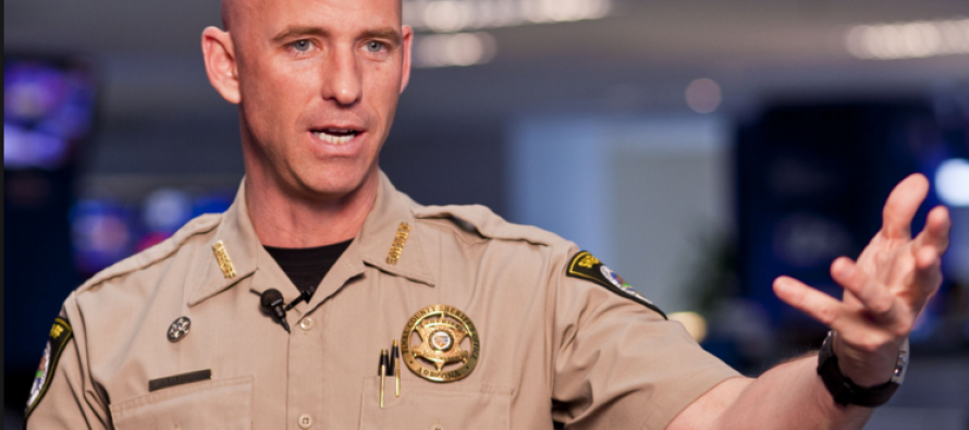 Police Officer Risks Everything to Send This BRUTAL Message to Obama