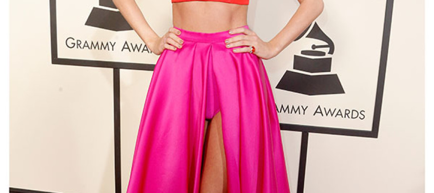 Taylor Swift DESTROYS Race Baiter Kanye West During Grammy's Speech