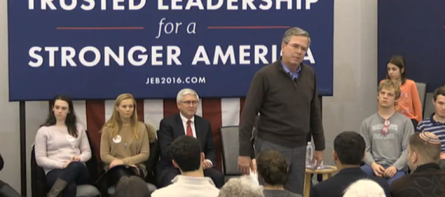 CRINGE Worthy Moment Jeb Bush Told Silent Crowd, 'Please Clap' [VIDEO]