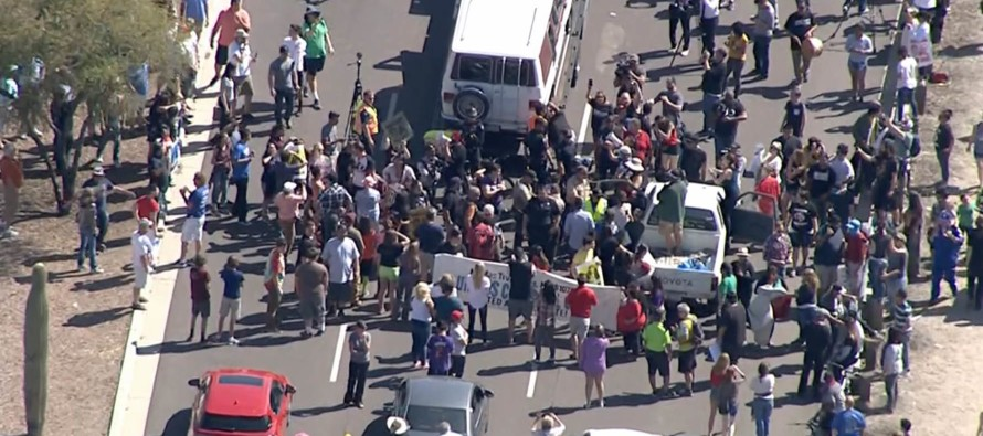 BREAKING: Anti-Trump Protesters Admit They Were Hired on Craigslist – Being PAID to Protest