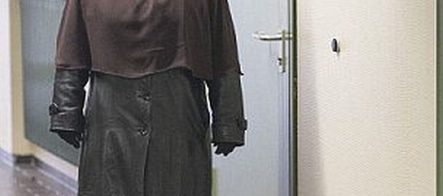 Muslim Woman REFUSED To Remove Burka In Court To Testify Against Abuser-Judge Says Do It Or ELSE