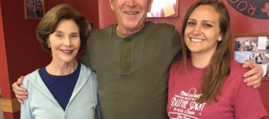 What George W. Bush Just Did at a Restaurant is Going VIRAL!