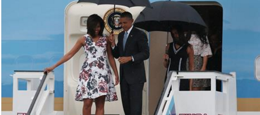 Obama Landed in Cuba… Watch What Happened As Soon as He Stepped Off His Jet