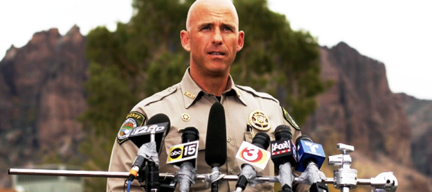 Sheriff EXPOSES Obama's Orders, Putting Us In Danger – Risking Everything To Warn Us!