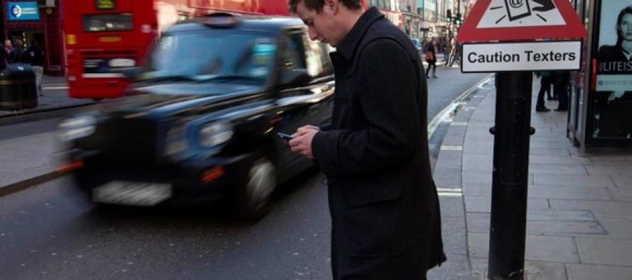 Texting While Walking Could Come With a 15 Day Prison Sentence in This State