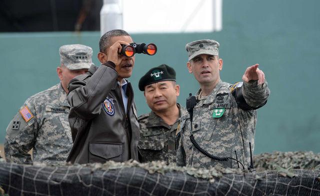 20130214_obama_LOOKS_AT_NORTH_KOREA_LARGE