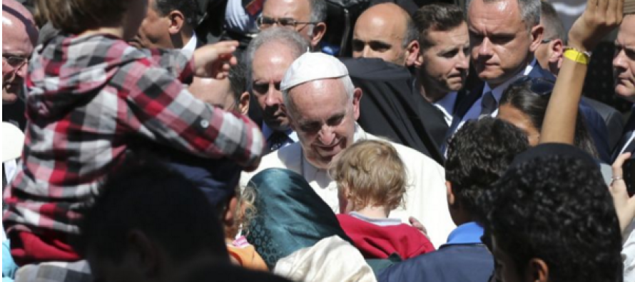 What the Pope Did For 12 Muslims Has Everyone Talking