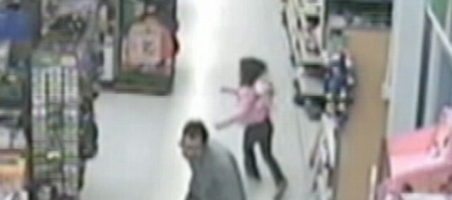 Caught On Surveillance! Little Girl Is Snatched By Kidnapper In Walmart – Watch Her FIGHT!