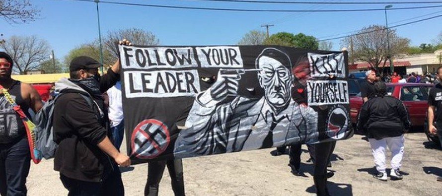 Anti-Islam vs. Black Lives Matter Ends in Chaos as Heavily Armed Protesters Face Off in Dallas