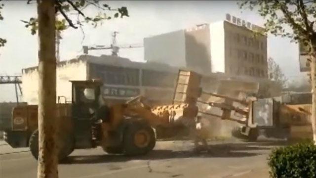 bulldozer street fight