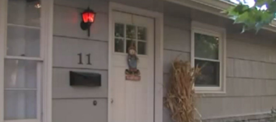 ALERT: If You See a Red Light on Someone's Porch, Here's What It Means…