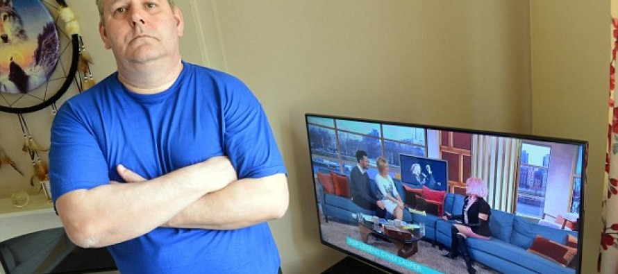 Panasonic refused to fix couple's $1100 flat-screen TV because it was damaged by smoking