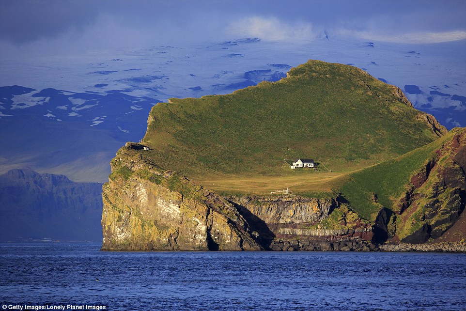 345F187800000578-3599115-Just_one_cabin_sits_on_Elidaey_Island_in_Iceland_which_used_to_b-a-1_1463737729518