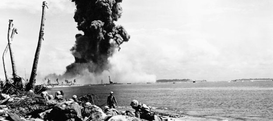 Amazing Footage of Japanese Kamikaze Attacks Hitting U.S. Ship in WWII [VIDEO]