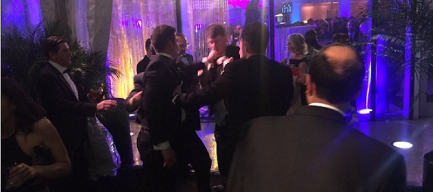 Fox News Anchor Gets into FIST FIGHT With Liberal Reporter at White House Correspondents Dinner