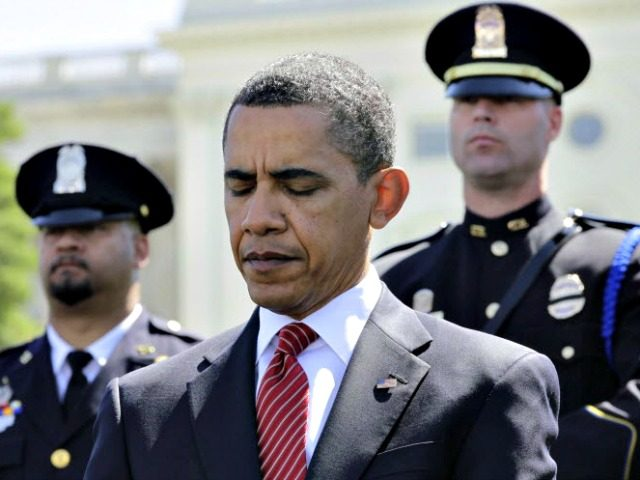 barack-obama-peace-officers-02efdf5f32ba8fd4-640x480