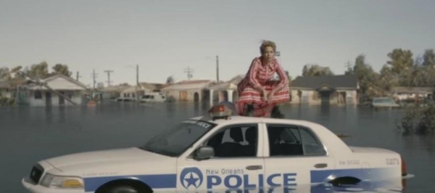 Photo: A Plane Flies a 'Blue Lives Matter' Banner Over a Beyonce Concert
